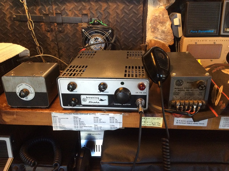 Browning Drake 523 with Speaker andMS-12power supply - photo courtesy of Paul SWL#45